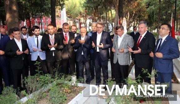 Ahmet Davutoğlu harekete geçmeye başladı