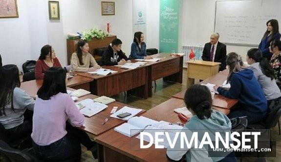 Kazakistan içerisinde Türkçe kurslarına çok yoğun bir ilgi